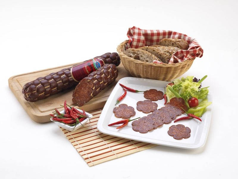 Gyula 'Hell' salami with hot paprika 700 g_2